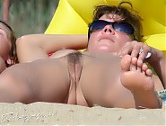 (9 pictures) Hottest photos of nudist girls on beaches